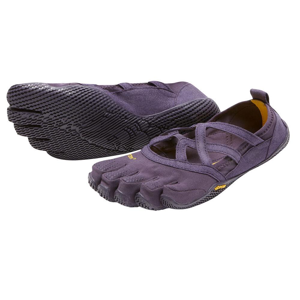 http://eu.vibram.com/dw/image/v2/AAWR_PRD/on/demandware.static/-/Sites-vbi-apparel-footwear/default/dw7d4ce43d/images/W48/Alitza%20Loop_17W4802_Nightshade_Hero%202000px.jpg?sh=1000